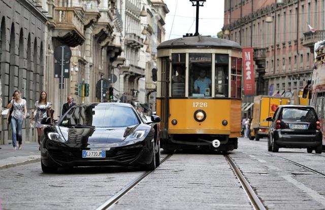 maclaren mp4 milano 03 - На чём ездят в Милане? Car sharing обзор