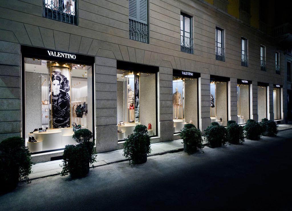 MONTENAPOLEONE 20 tablet - Валентино: история модного дома, секреты и новые коллекции