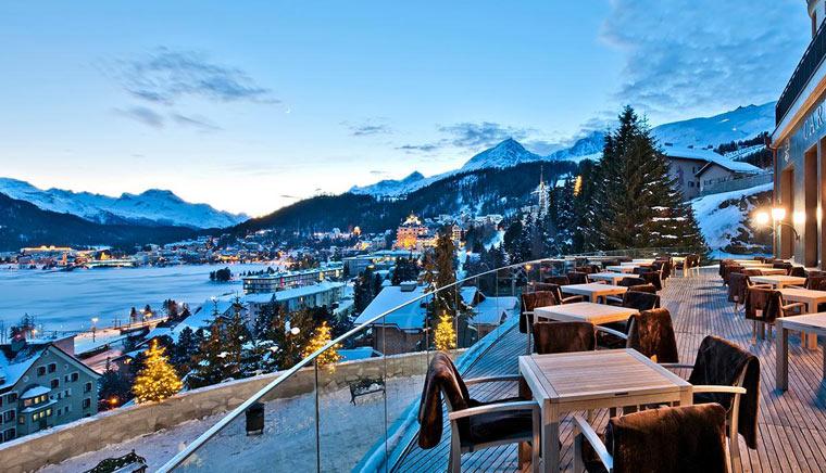 Мориц St. Moritz Город вечером 2 - Bernina Express или красный швейцарский поезд