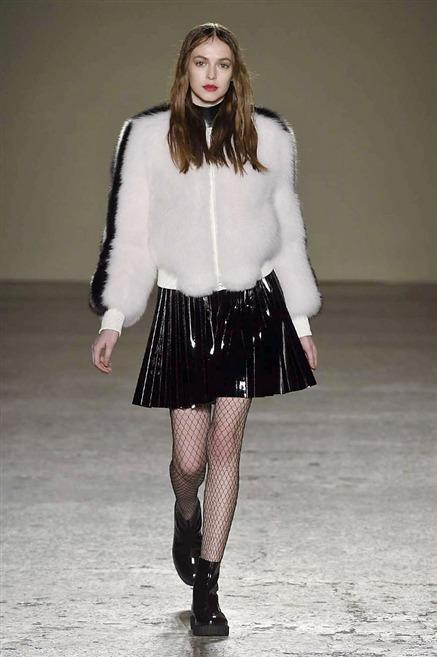 911628 - Миланская неделя моды. Начало
