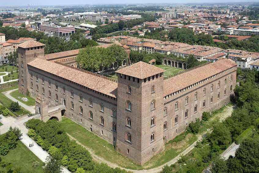 castello visconteo1 - Павия - город науки
