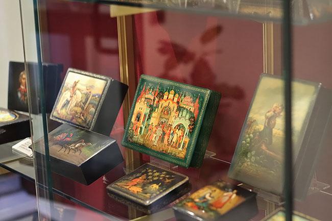 scatole - Antichità Biolchini: Русское искусство в самом сердце Бреры