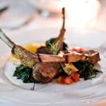 costolette di agnello alla griglia con cicoria saltata e pomodoro allorigano 150x150 - Изысканные рыбные блюда в самом центре Милана