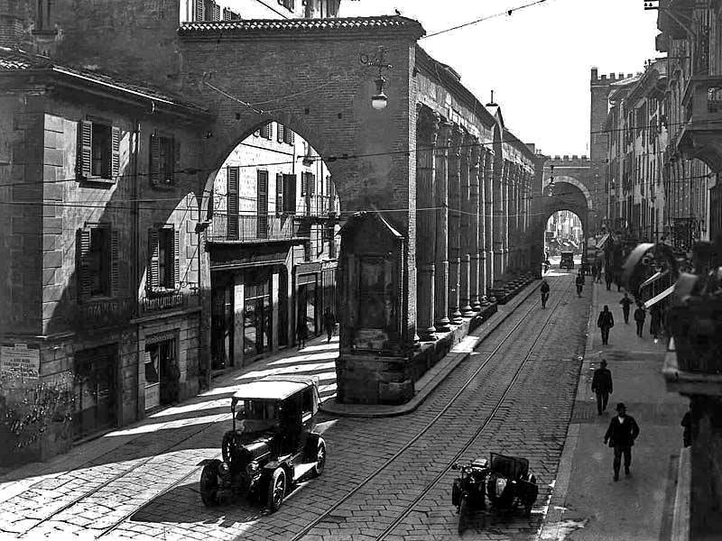 colonne san lorenzo1 - Фото Милана: в начале прошлого века и сейчас