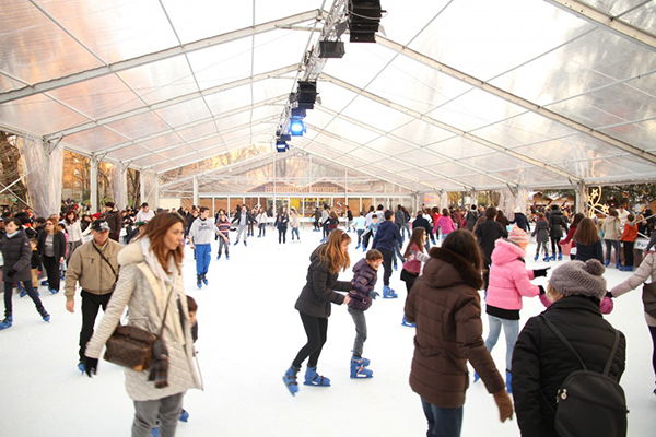 Ice skating Rink marvels village - Куда сходить на каток в Милане?