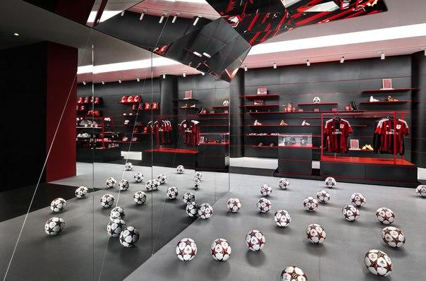 casamilan - ФК Милан открыл игровую комнату для детей