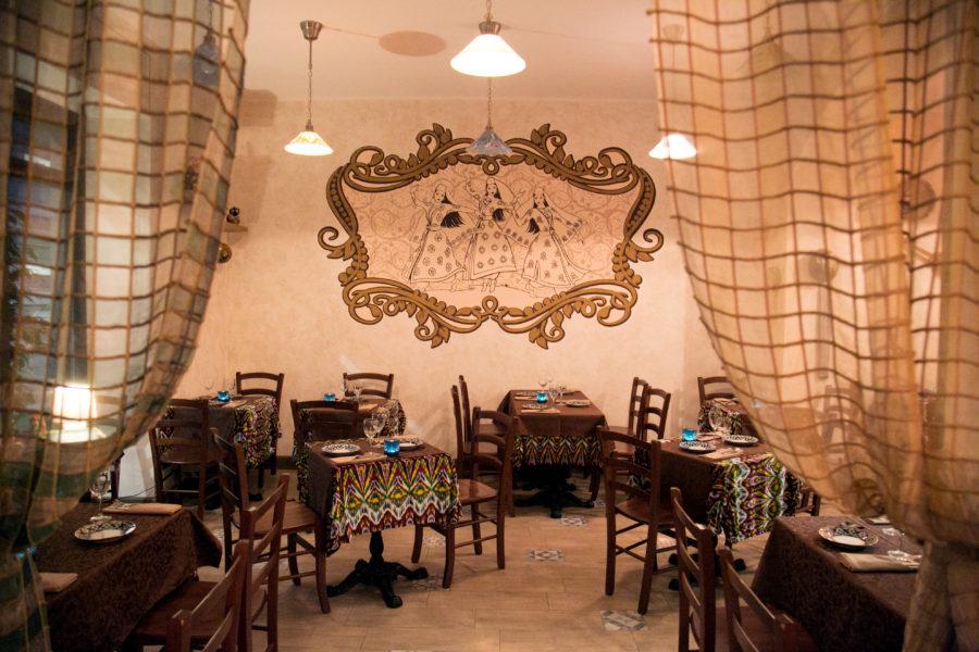 interior 4 900x600 - Ресторан узбекской кухни в Милане