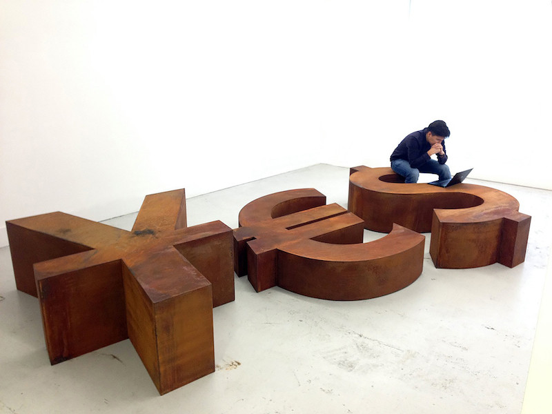 YES Andrei Molodkin low 800x600 - Российское искусство в Милане