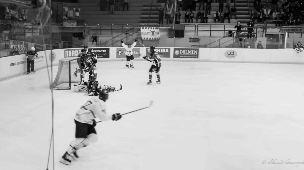 IMGP4599 1024x572 - Хоккей в Милане