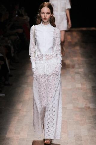 00290h 20140930184844 - Валентино: история модного дома, секреты и новые коллекции