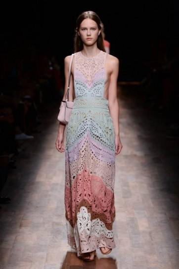 vestito degrade valentino - Валентино: история модного дома, секреты и новые коллекции