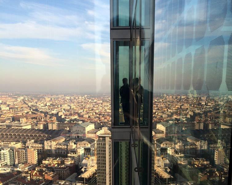 39floor01 - Панорама Милана с высоты 39 этажа