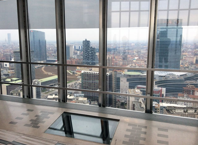 pirellone81 - Панорама Милана с высоты 32 этажа