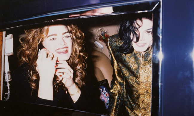Att. Ron Galella Michael Jackson e Brooke Shields Grammys Awards 1993 4 stampe Stima € 600 900 1000x600 - Грандиозная фотовыставка в Милане
