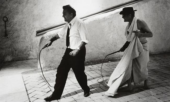 Tazio Secchiaroli Federico Fellini e Marcello Mastroianni 8 12 1963 Stima € 700 1000 1000x600 - Грандиозная фотовыставка в Милане