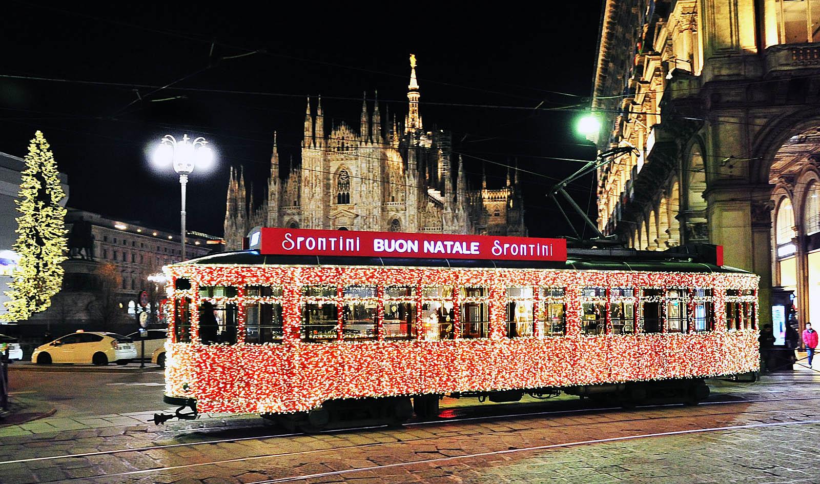 Spontini 05 12 2014 Tram Luci Mi Q25 01 - Что посмотреть в Милане на Новый Год