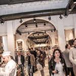 Mercato del Duomo clienti 150x150 - Чем заняться в Милане в дождливый день?