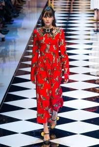 Dolce e Gabb RF16 1513 202x300 - Лучшие показы женской недели моды в Милане осень-зима 2016-17