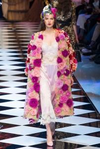 Dolce e Gabb RF16 1731 202x300 - Лучшие показы женской недели моды в Милане осень-зима 2016-17