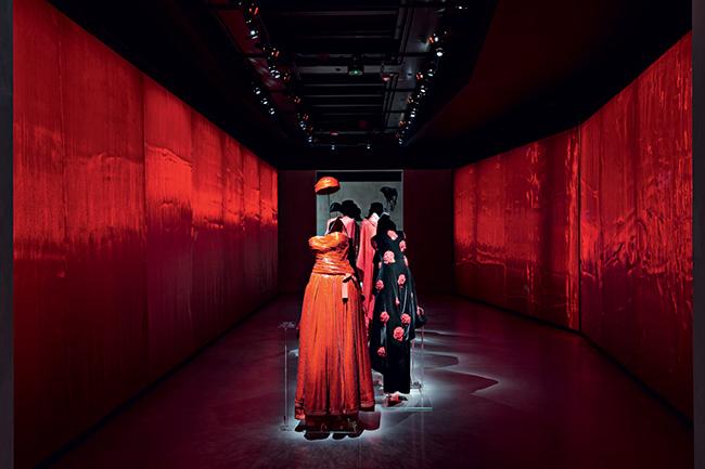 armanisilos color - Как сходить в модный музей Armani/Silos совершенно бесплатно
