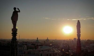 Милан с крыши Дуомо вечером
