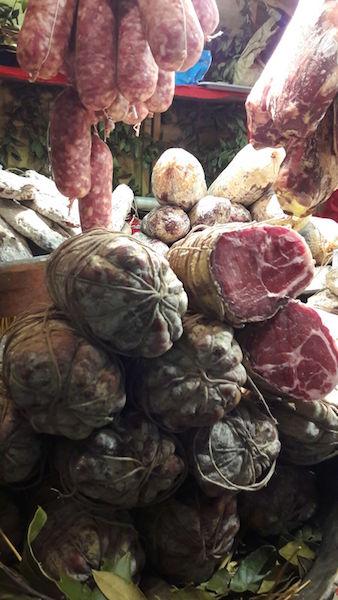 На рынке Лекко