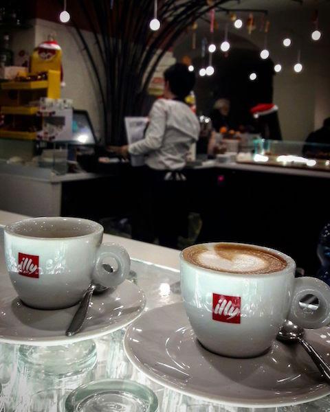 Кофе во дворце в Монце