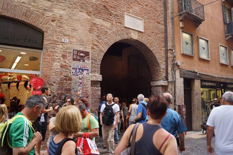 MeetnGreetMe Team изучает Италию для составления рекомендаций путешественникам