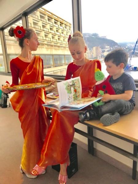 """с детьми 450x600 - Мария Солдатова, основательница """"ART SCHOOL"""""""