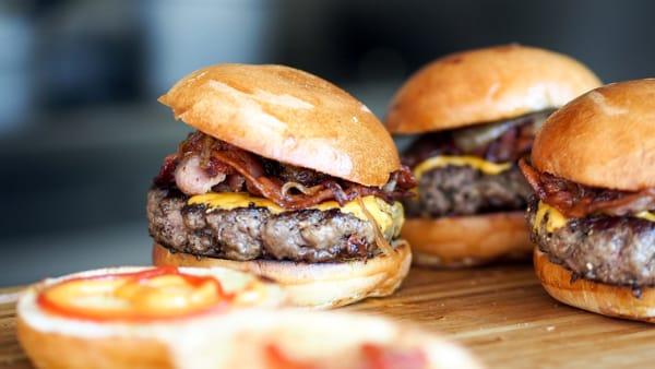burger 5 - Выходные в Милане: чем заняться в городе 7 и 8 июля