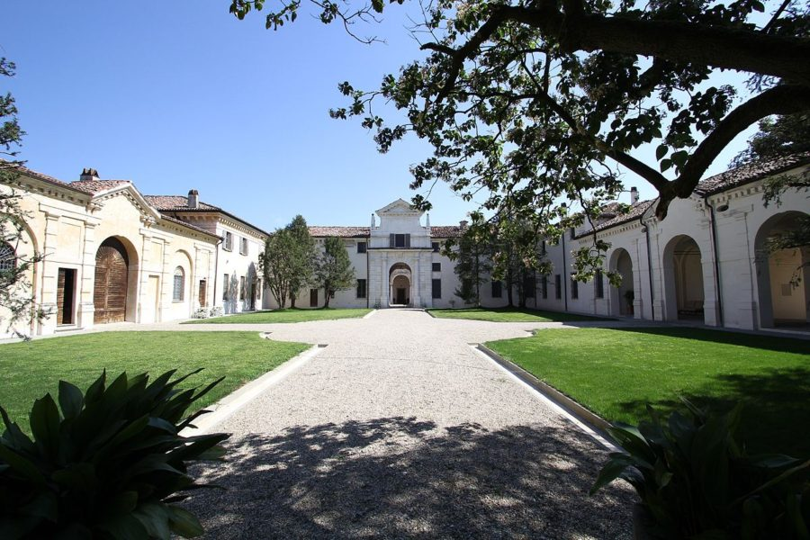 Trivilzio 900x600 - Виллы Ломбардии: красивое наследие