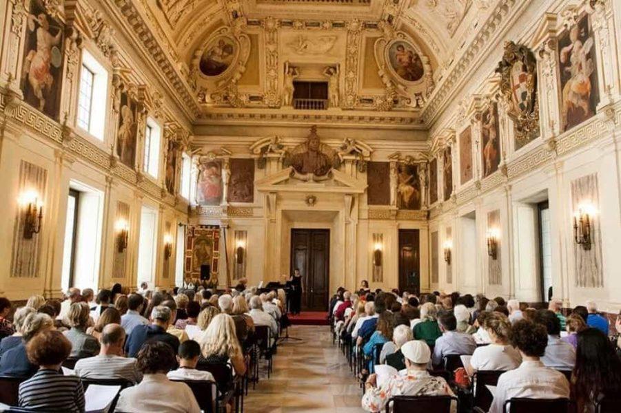 palazzo marino in musica 2 901x600 - Неделя 35: чем заняться в Милане в 27 августа по 2 сентября