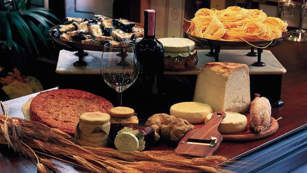 cucina piemontese a torino 1000x563 - Милан - это про еду! Гастрономические события ноября в Милане