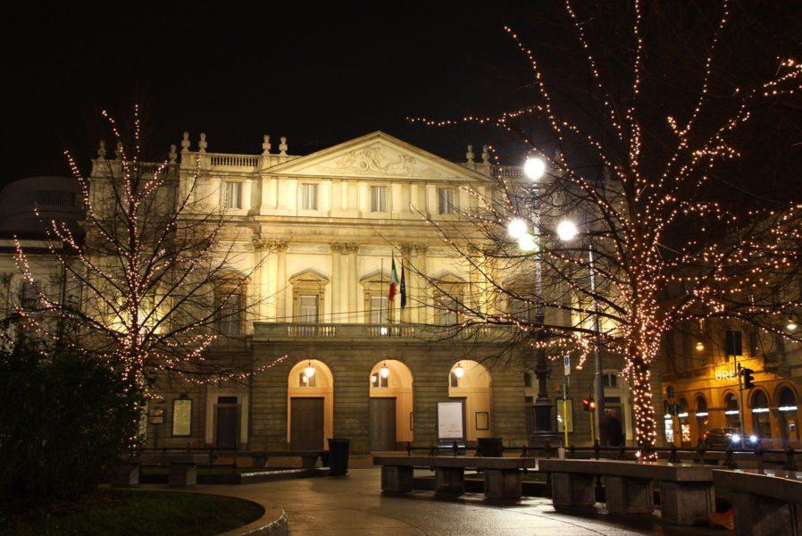 скала 898x600 - Карты, деньги и Ла Скала: 10 интересных фактов о театре Ла Скала