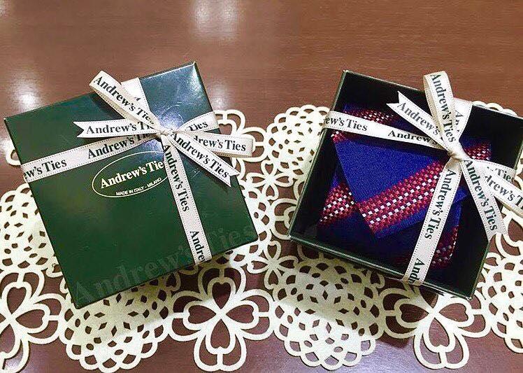 cravatta - Праздничный шопинг: лучшие места для поиска подарков в Милане!