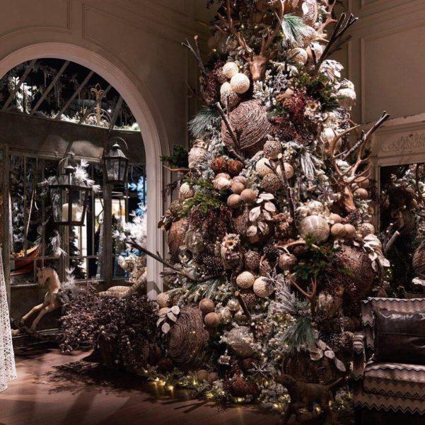 decor eclisse 601x600 - Праздничный шопинг: лучшие места для поиска подарков в Милане!