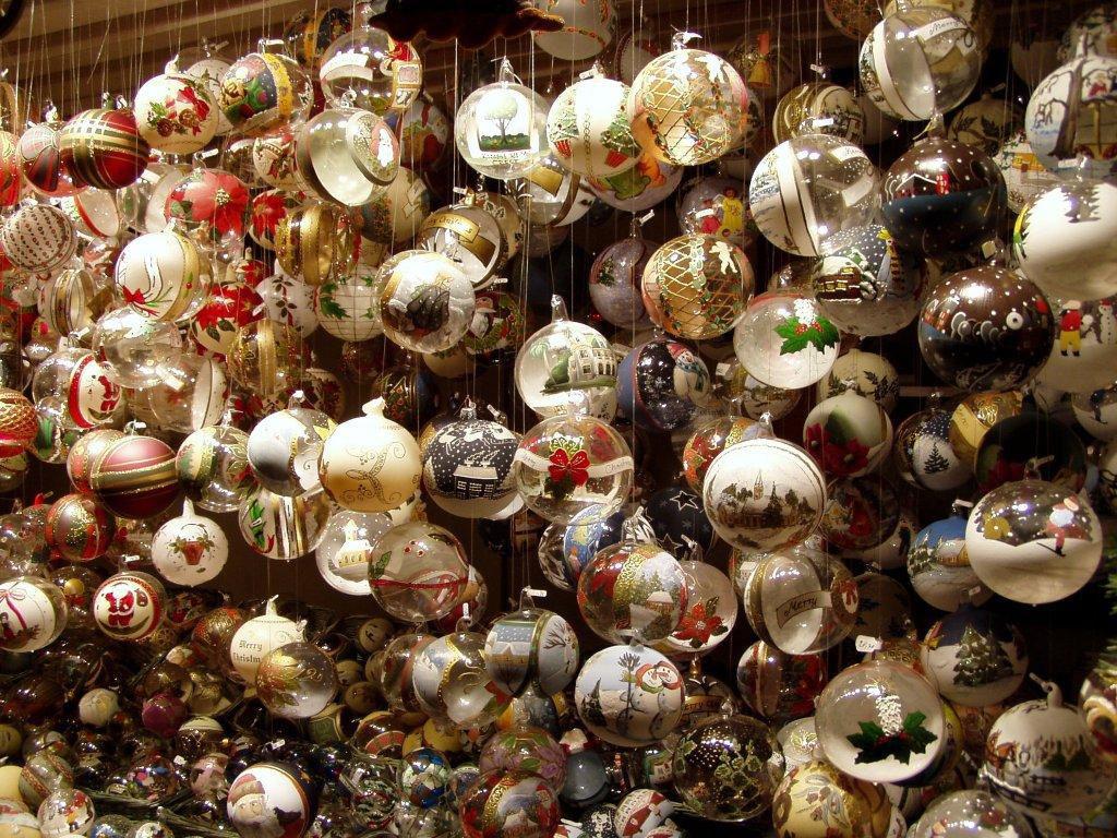 mercatini di Natale più belli d'Europa palle di natale 1024x768 - Чем заняться в городе с 24 по 30 декабря. Неделя 52